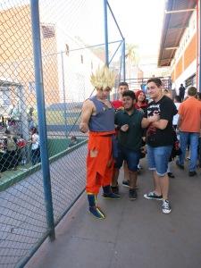 E...Oi! Eu sou o Goku!